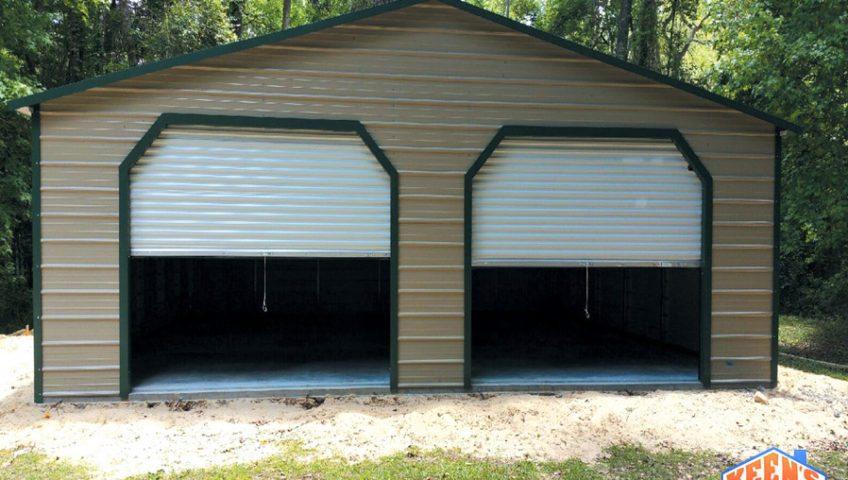 30X30X10 Garage with roll up door front